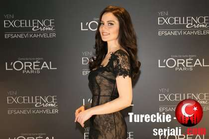 Фахрие Эвджен снялась в рекламе L'Oreal